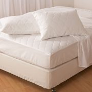 Jean-Perry-Fitted-Mattress-Protector